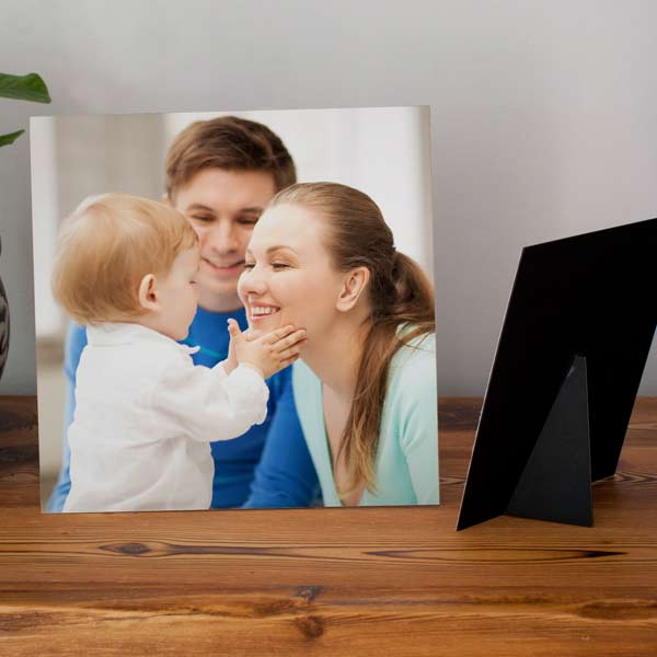 Thin and compact canvas prints for displaying anywhere