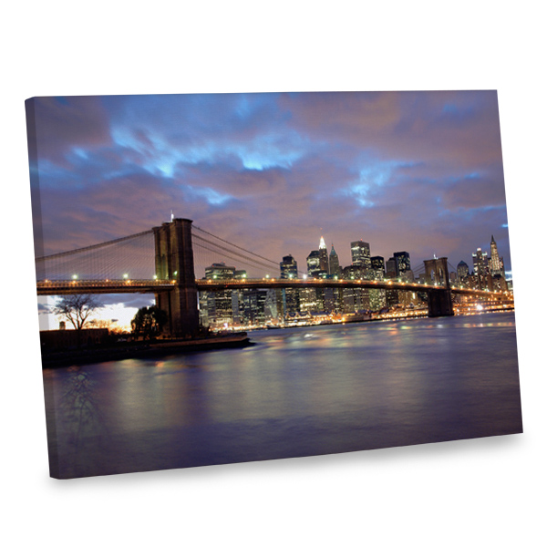 Make your decor stand out in style and elegance with our Brooklyn Bridge print.
