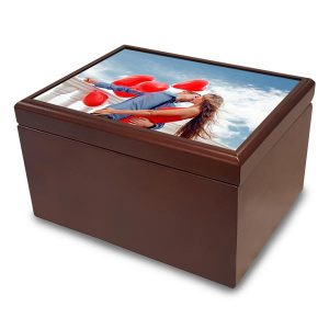 Create a personalized jewelry box for your mom or partner