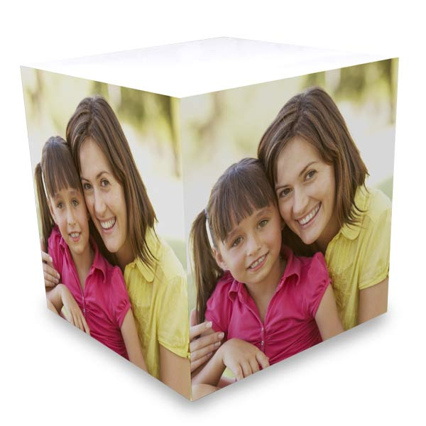 Create your notes with a note pad of photos with a personalized photo note cube