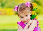 Use the bright green colors and flowers to create beautiful portraits